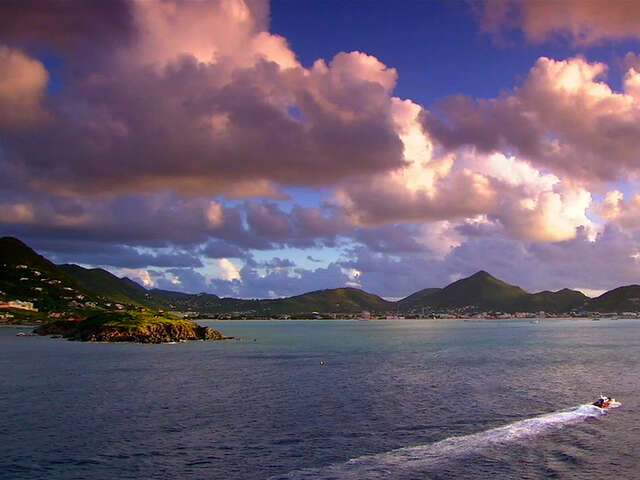 Video: Man vs. Jetstream and other things you didn't know about St. Maarten
