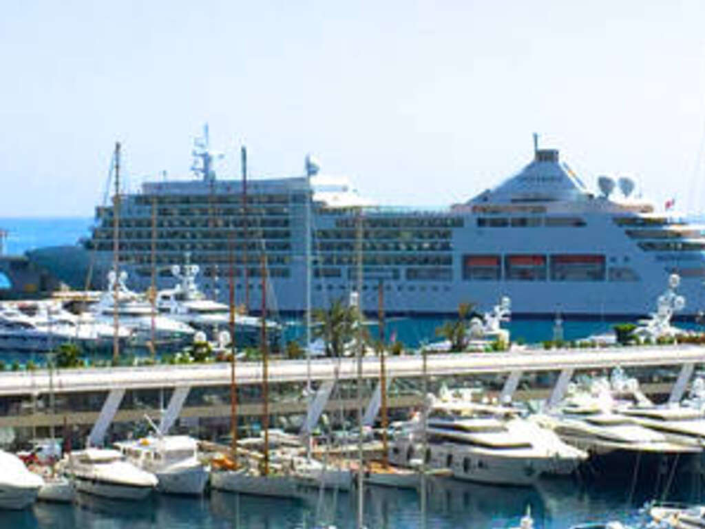 Video top reasons to cruise the mediterranean in small for Luxury small cruise lines