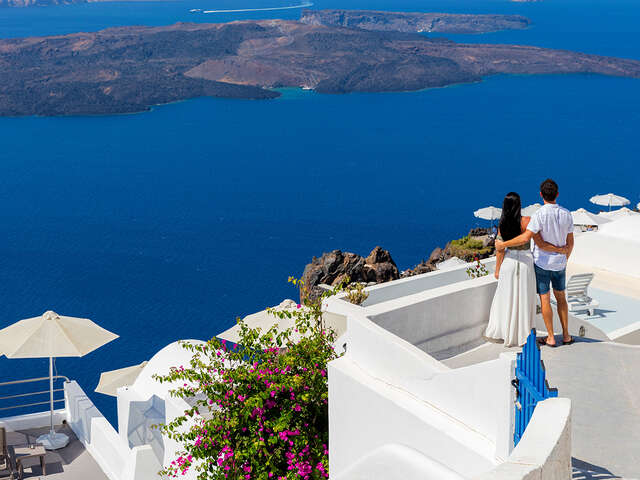 Exploring Athens, Paros and Santorini