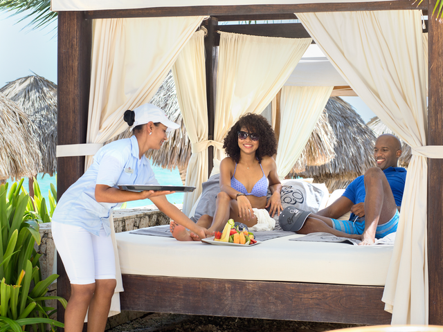Majestic Resorts - Early Booking Bonus - Save up to 60% off