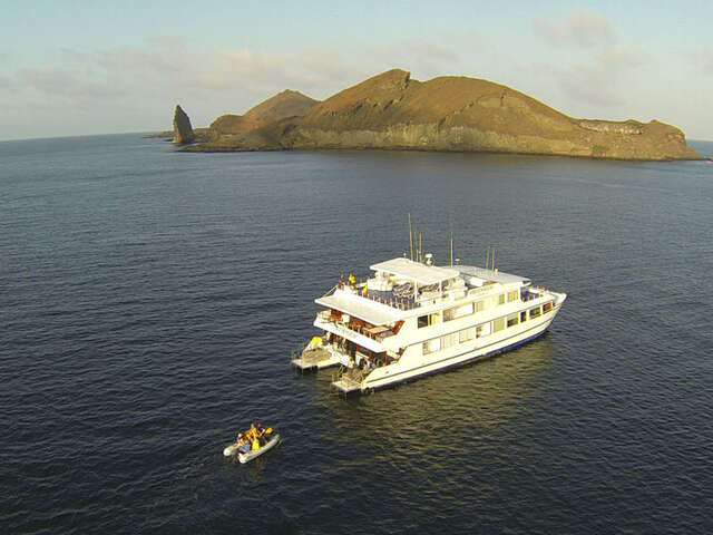 CRUISING THE GALAPAGOS ISLANDS-Millennium Catamaran