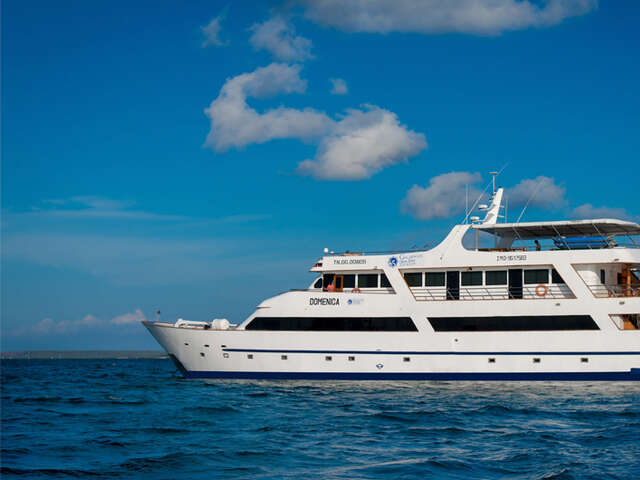 CRUISING THE GALAPAGOS ISLANDS - GALAPAGOS SEA STAR JOURNEY