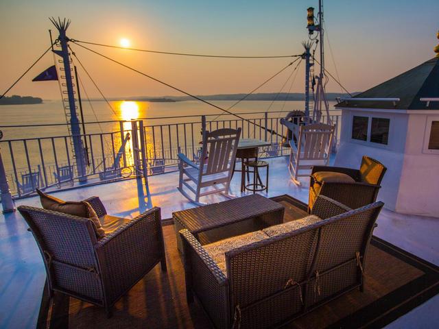 American Queen Voyages - Up to $5,600 in Bonus Savings!