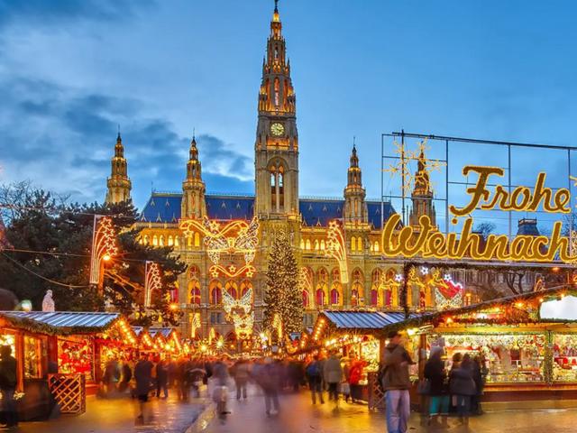 Holiday Triple Savings on AmaWaterways Christmas Market and New Year's Cruises