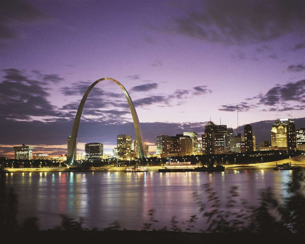 Celebrate Gateway Arch Re-Opening with the Ultimate Room-with-a-View Package at the Ritz-Carlton, St.Louis