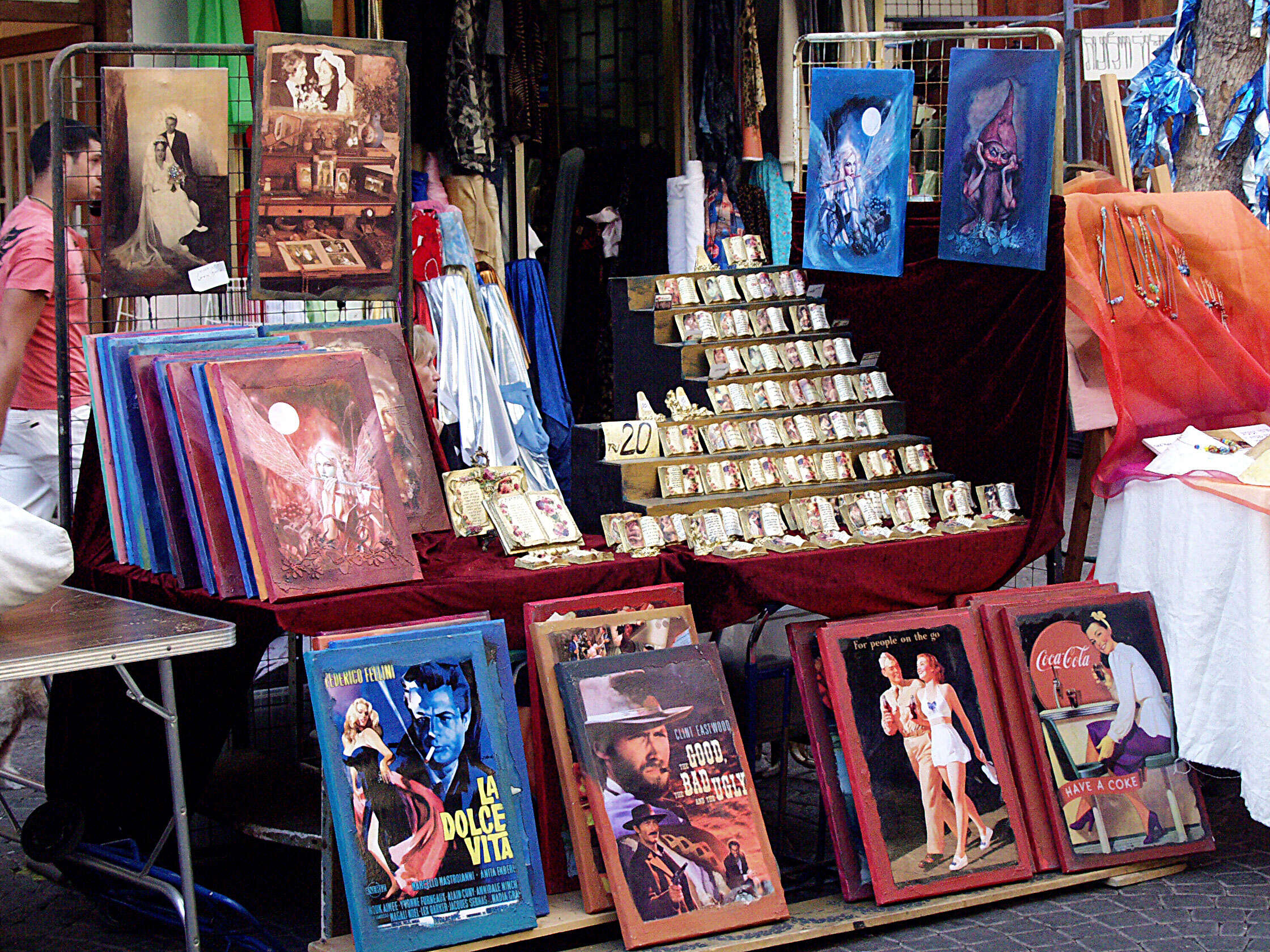 A great local shopping areat, Nahalat Binyamin Market