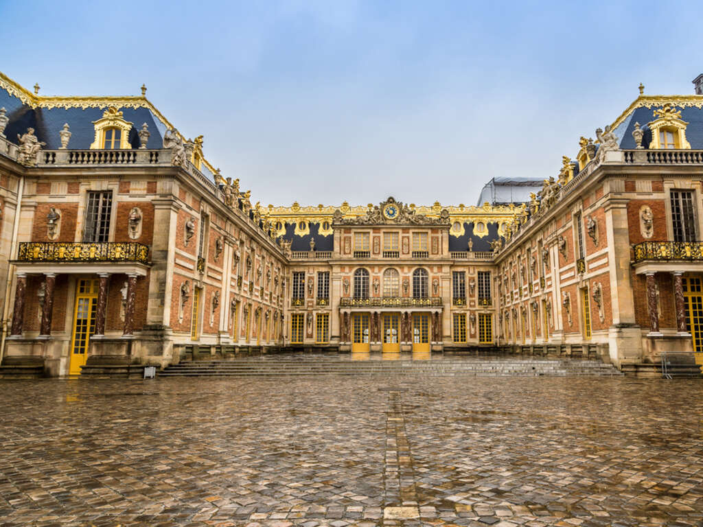 a historical review of france the palace of versailles A historic monument since 1862, the palace's apartments are located in its central axis the most northern point in the palace houses the battle gallery and the congress hall  the palace's chapel and the royal opera , completed after the death of louis xiv, are in the north wing.