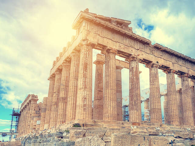 Top 5 things you cannot miss while visiting Greece