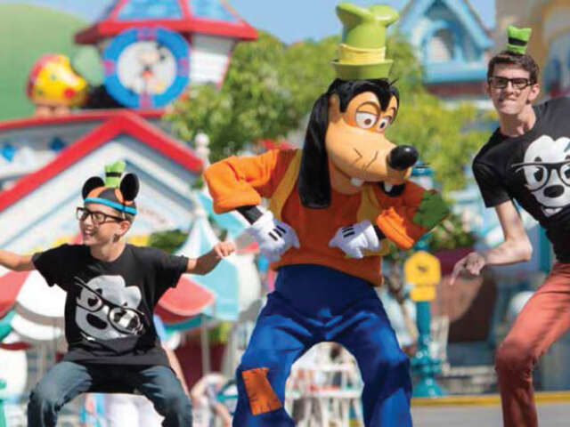 Disney Park Tickets+Free Nights at Sheraton Park Hotel