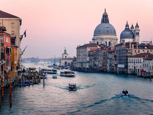 Spotlight on Venice in Winter