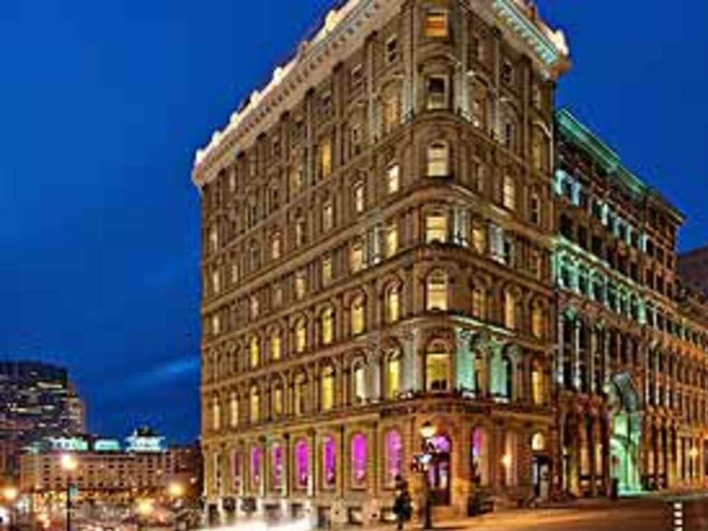Minimum Check In Age  Las Vegas Hotels
