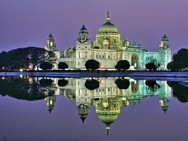 Feel the pulsating energy of Kolkata, India