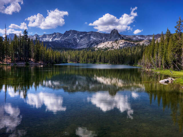 Head to Mammoth Lakes, California, where a fantastic winter vacation awaits you!
