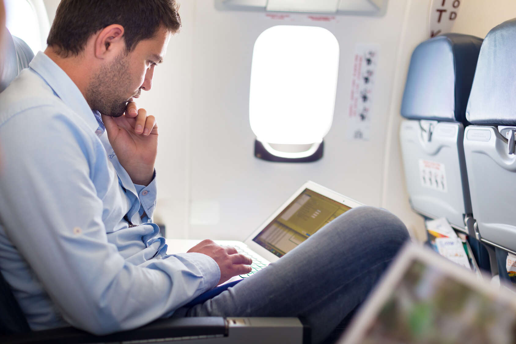 Air Canada and WestJet Rolling Out More In-Flight Wi-Fi Access
