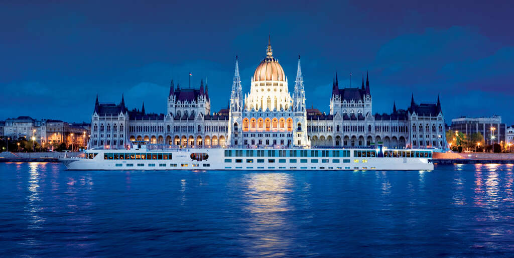 Uniworld - ENCHANTING CHRISTMAS & NEW YEAR'S CRUISE