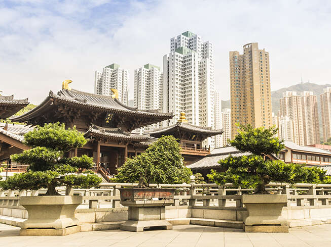 Hong Kong Insider's Guide: East Meets West