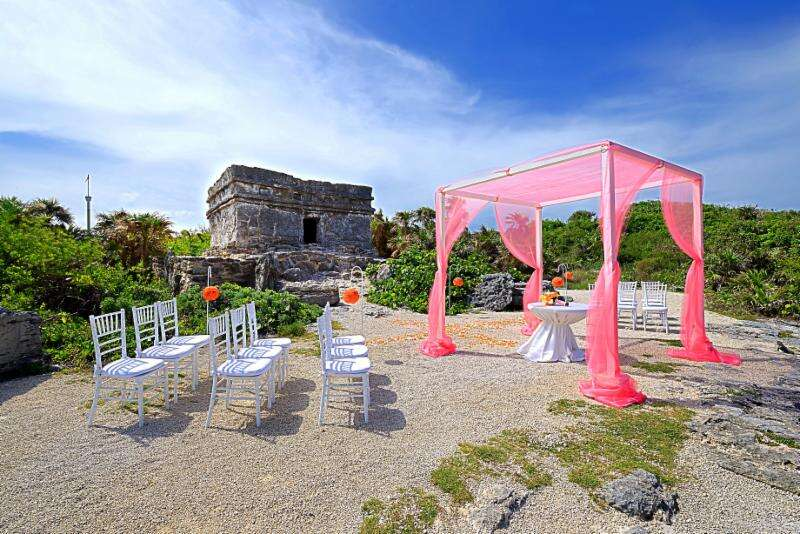 Free Welcome Cocktail Reception and Rehearsal Dinner