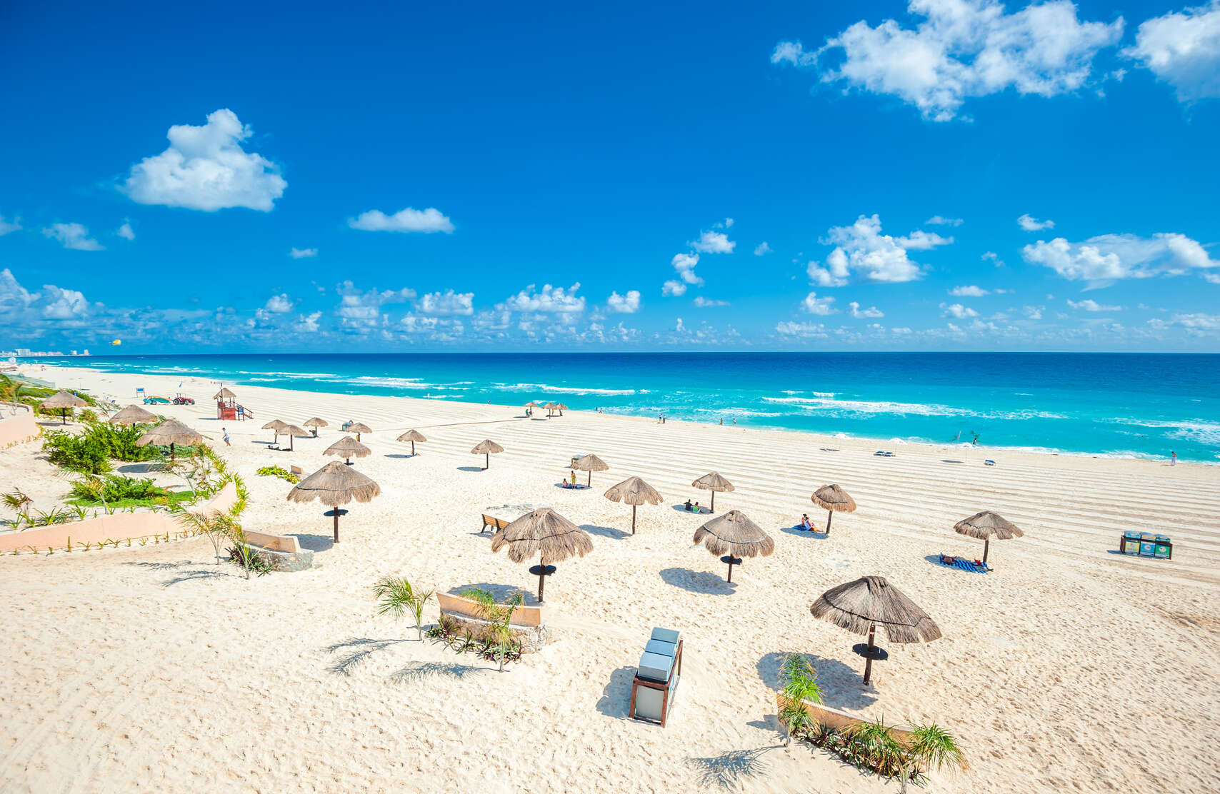The Beach Connoisseur's Guide to Cancun Sunbathing
