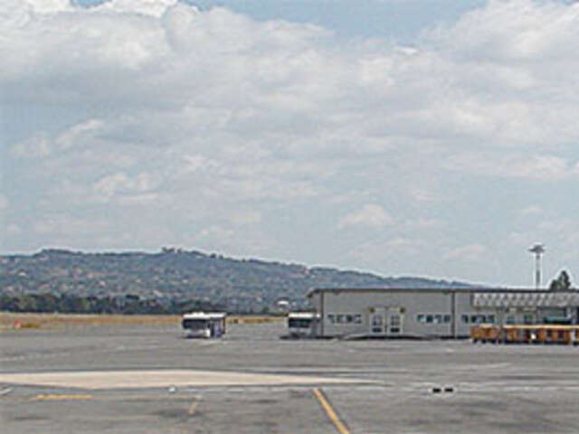 ROME AIRPORT TO CLOSE FOR REPAIRS