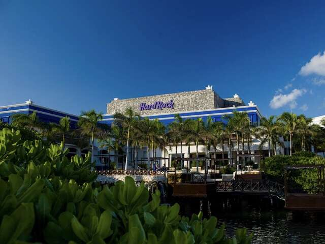 Blogging by Mackenzie: Hard Rock Resorts Cancun & Riviera Maya