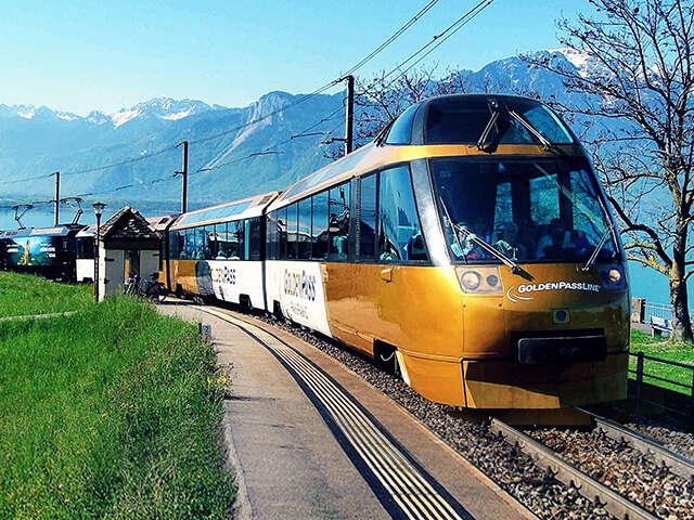 Switzerland_landingpage_goldenpasstrain.jpg