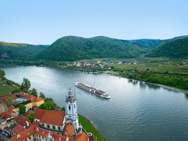 Viking-River-Cruise_Hero-Image_Apr2017.jpg