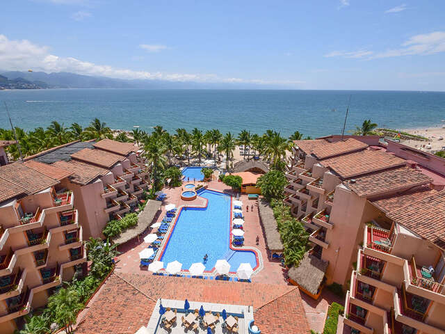 Receive $100 Friendly Dollars per room at Friendly Vallarta!