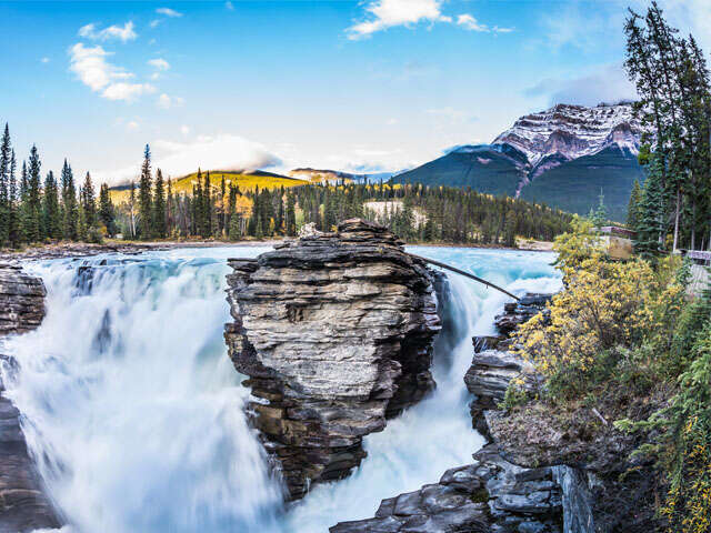 Canada's 5 Most Scenic Road Trips