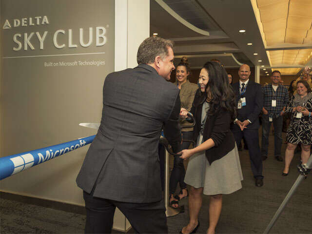 Delta and Microsoft launch innovative space for guests in Sea-Tac Delta Sky Club