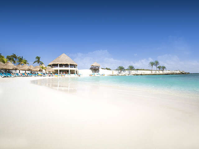 Receive up to $500 USD resort credit per room, per stay in Riviera Maya