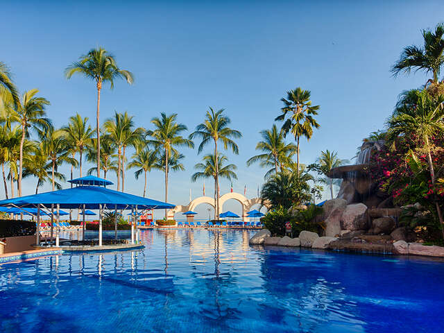 Receive up to $1,000 resort credit in Mexico and the Caribbean.