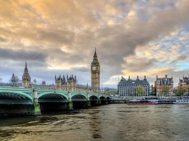 SAVE 20% off 15 select 2018 London Vacation Packages with Monograms