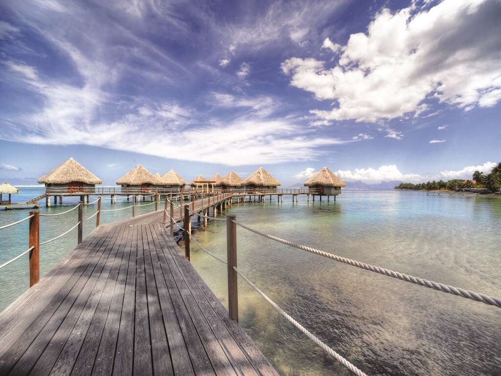 Pleasant Holidays - Receive $600 OFF in Tahiti!