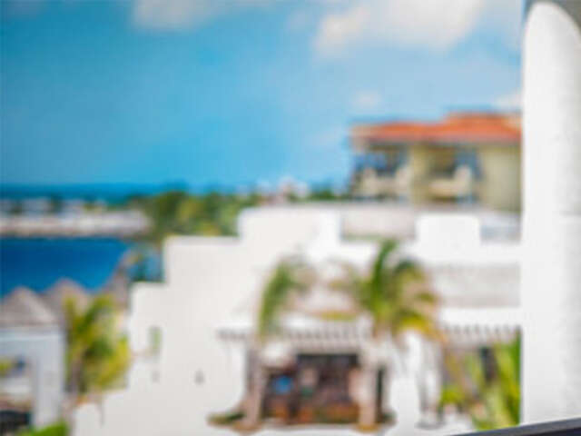 Receive a $600 Mega Pass in the Riviera Maya