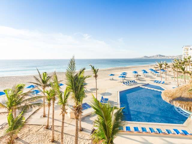 WestJet Vacations - Receive added values in Los Cabos!