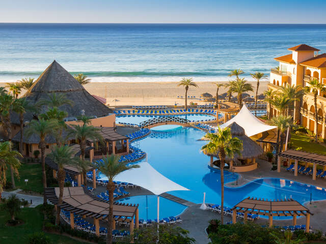 WestJet Vacations - Kids stay free in Mexico!