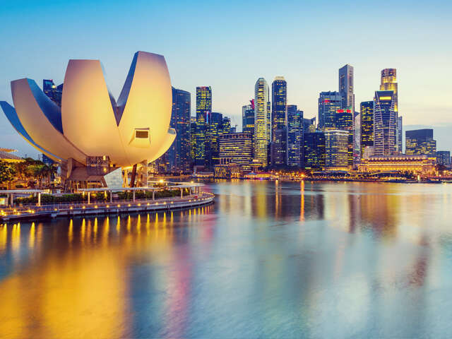 Singapore - a thrilling adventure, shopping and food extravaganza!