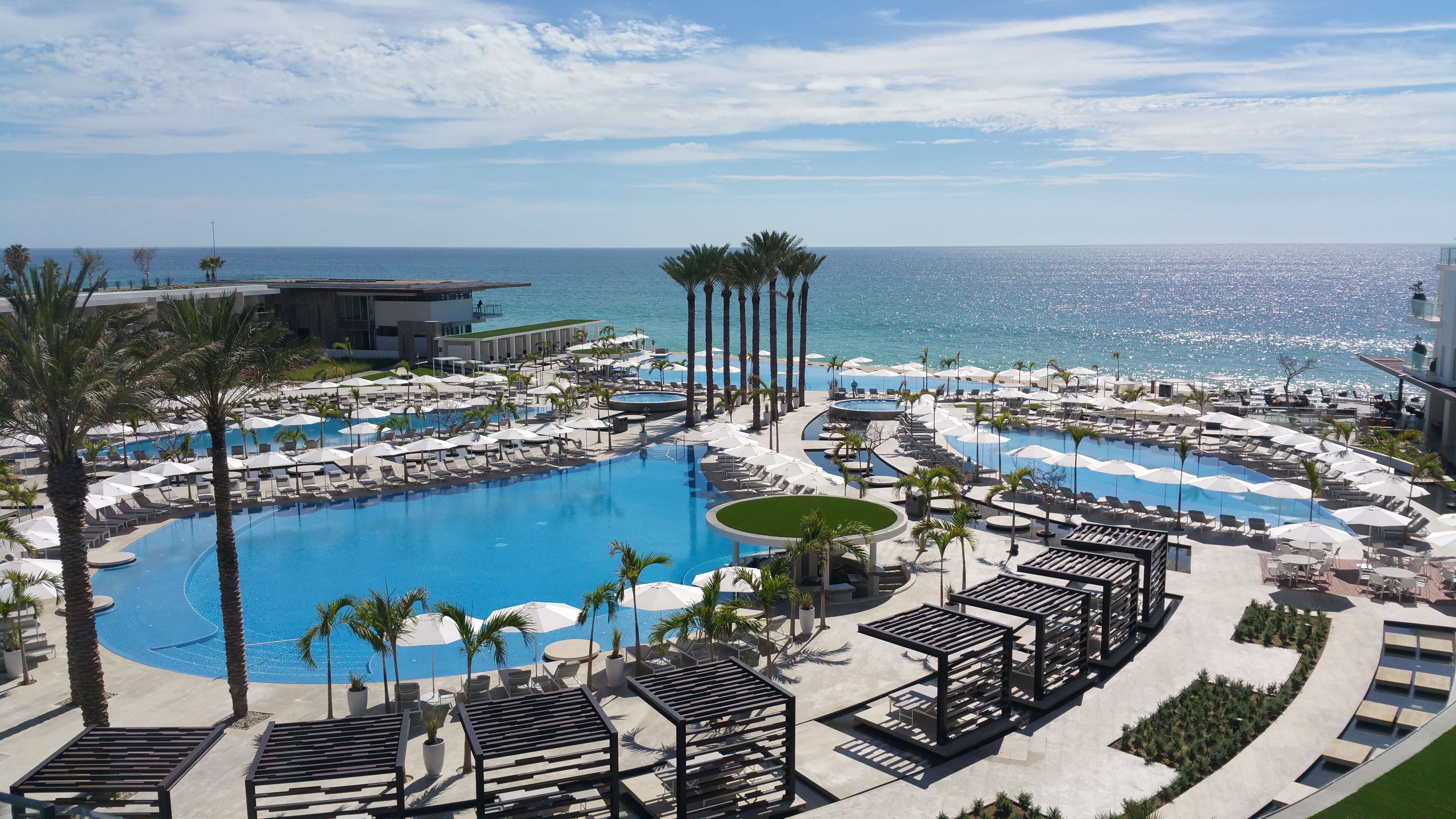 Le Blanc Spa Resort Cabo - Site Review - Modern, Luxurious, and Adults Only. Need I say more?