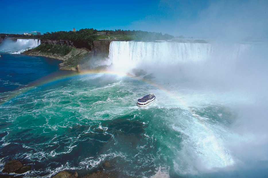 Exclusive! Save $150 per couple on Globus Europe or North America Tours