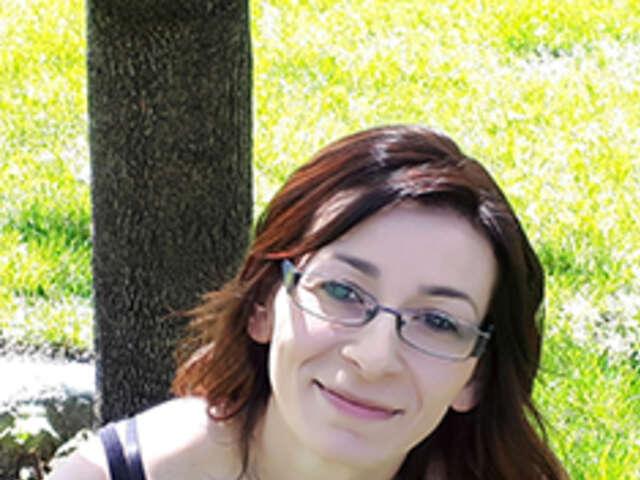 Nina Mackin