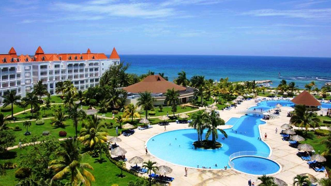 Adults Group toLuxury Bahia in Jamaica