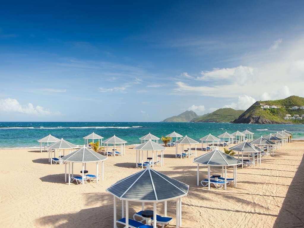 Pleasant Holidays - FREE nights, resort credits and more!