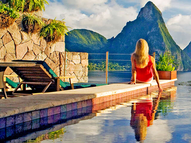 FREE UPGRADE at Jade Mountain with TravelBrands Experiences