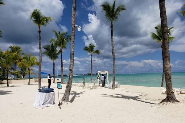 Bahama Wedding Bells at the Melia