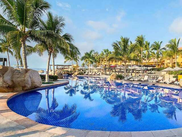 WestJet Vacations - Up to $50 in resort credit per day in Mexico!
