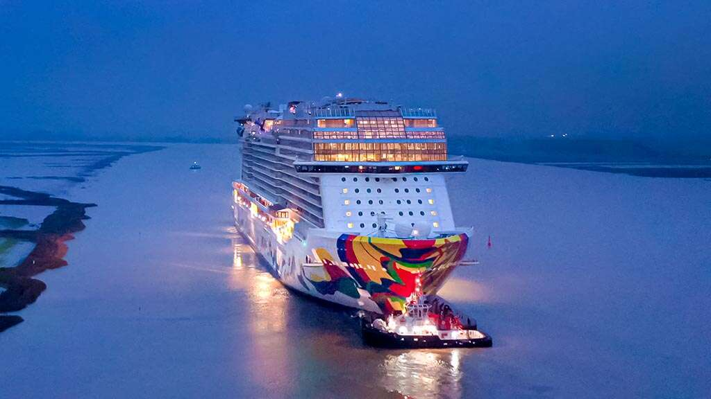 Norwegian Encore Sails in Open Water for the First Time