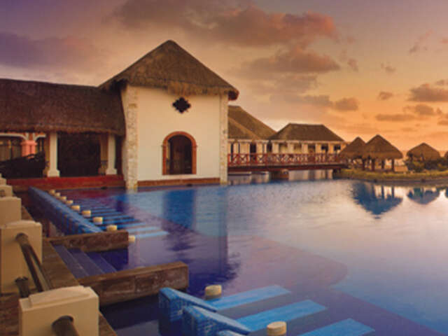 Receive the 7th Night FREE with AMResorts