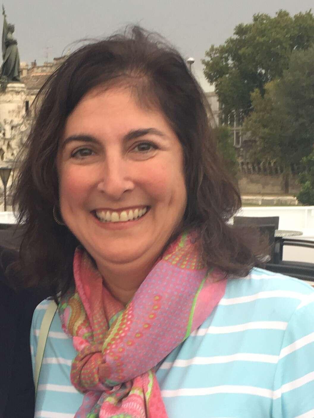 Julie McKelvey