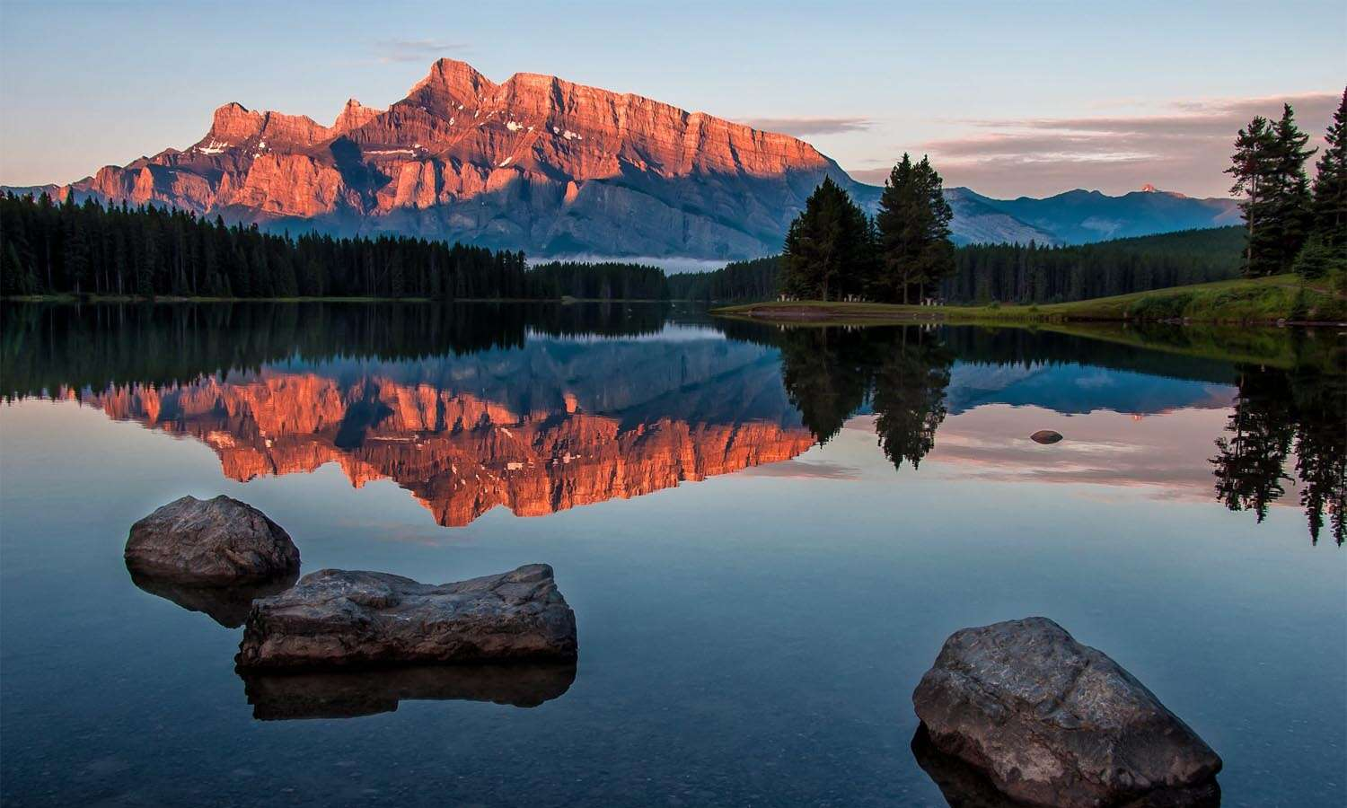 Western Canada's Rockies, Lakes & Wine Country