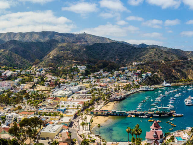 Royal Caribbean Cruises - Receive $100 onboard credit on select sailings